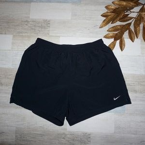 Nike Women's Loose Fit Black Shorts - Size Small